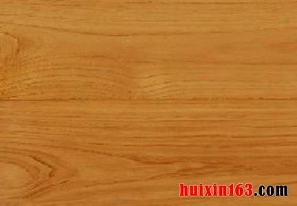 榉木的材质特性是坚硬而强韧,耐磨,耐腐蚀,耐冲击等,一旦干燥就不