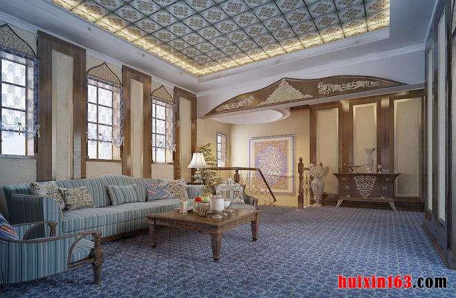 风格室内装修装饰金属神韵的光晕中,又会凸显出两根粗犷的圆木立柱,并