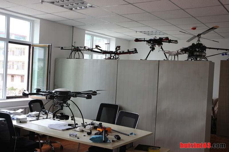 3         办公室无人机