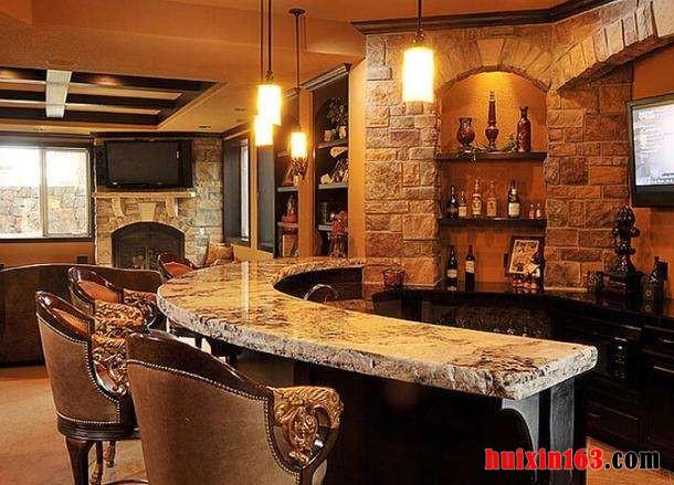 比如进行酒吧,咖啡厅等装修装饰吧台设计时,美式乡村风格常会